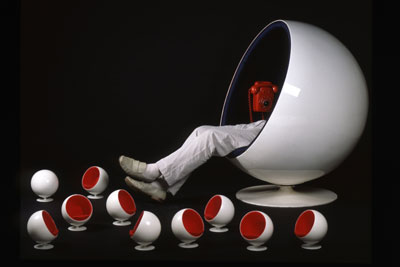 Eero Aarnio Ball Chair Retropop, Phantasie und Tagträume Ausstellung Berlin Felleshus