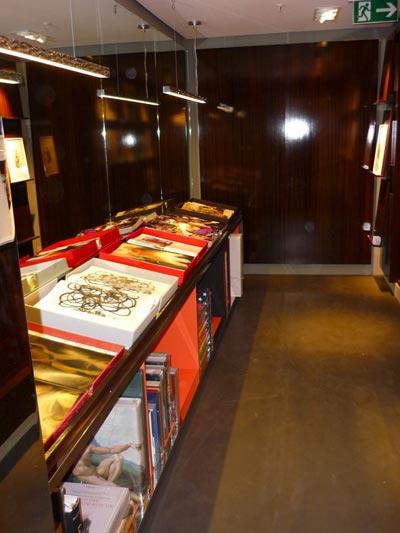 berlindesignblog blog archive taschen store berlin. Black Bedroom Furniture Sets. Home Design Ideas